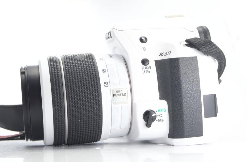 PENTAX K-50 + 18-55 mm WR TOP