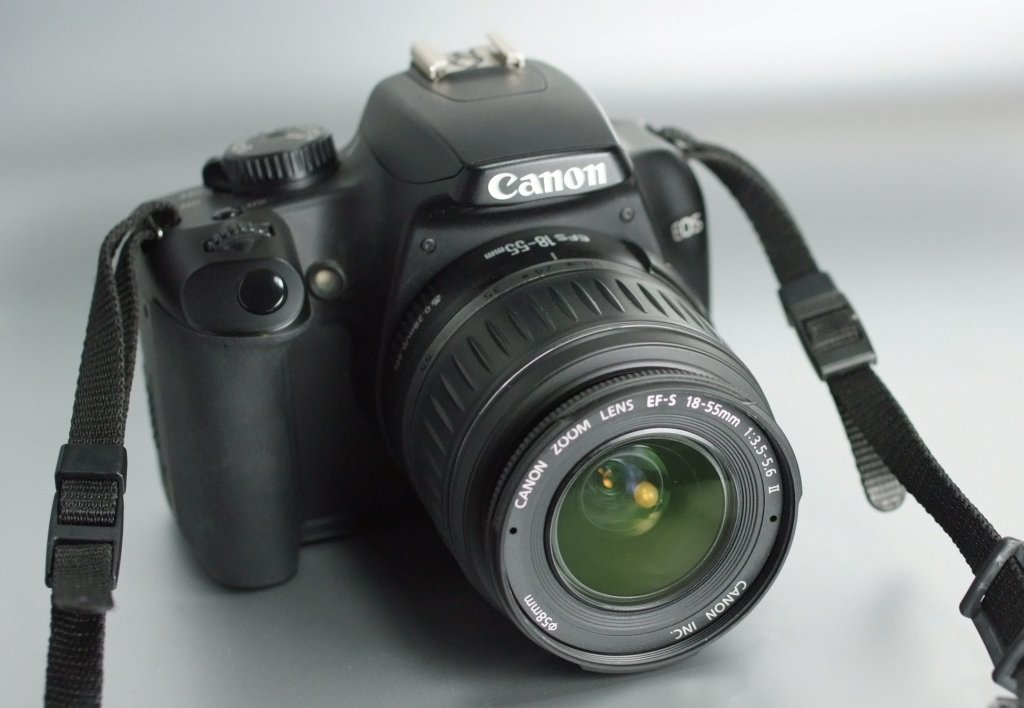 Canon EOS 1000D + 18-55mm SUPER STAV