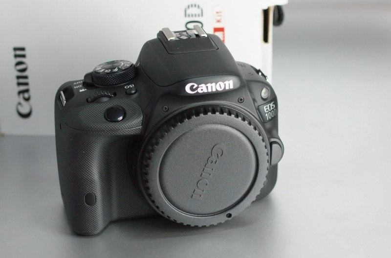 Canon 100D záruka do 3/2018
