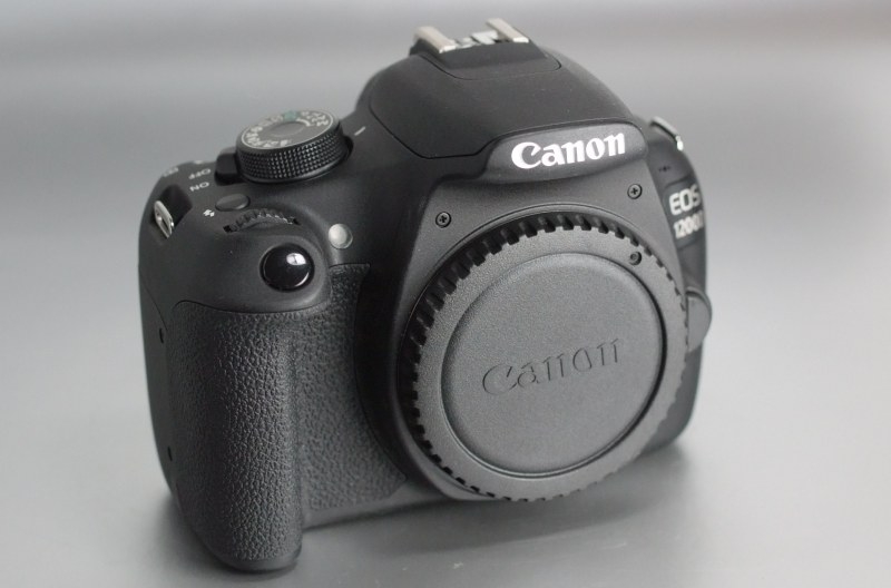 Canon EOS 1200D  TOP STAV