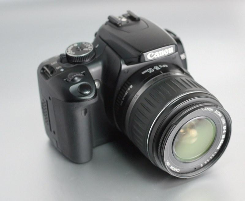 Canon EOS 400D + Canon 18-55mm SUPER STAV