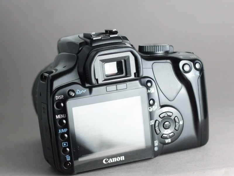 Canon EOS 400D + Canon 18-55mm