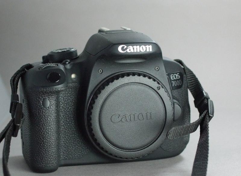 Canon EOS 700D