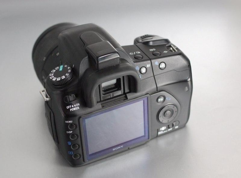SONY Alpha A200 + Sony 18-55 mm SAM II