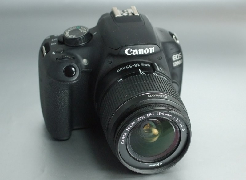 Canon EOS 1200D  + Canon 18-55mm TOP STAV