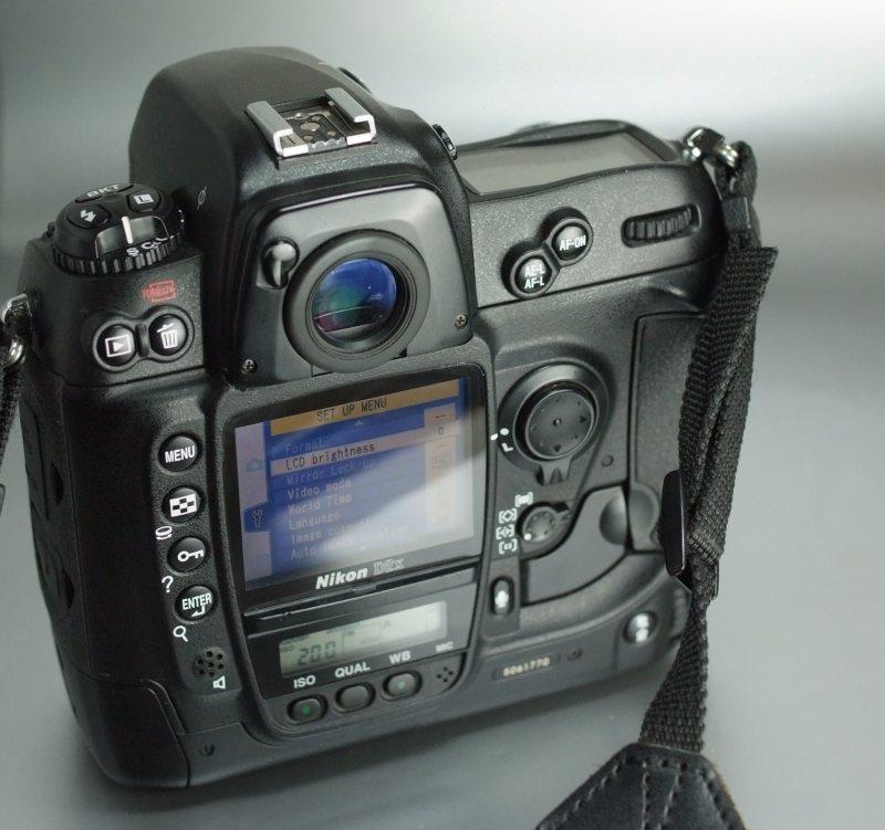 Nikon D2X