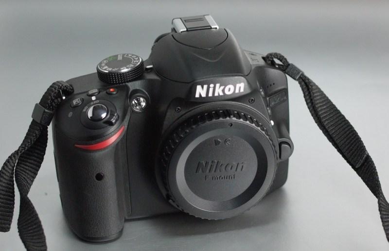 Nikon D3200  TOP STAV