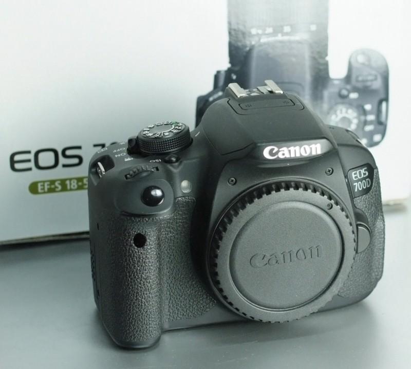 Canon EOS 700D SUPER STAV záruka 6/2018