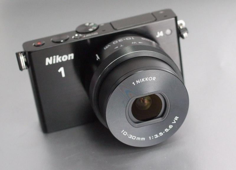 Nikon 1 J4  + Nikon 10-30mm VR