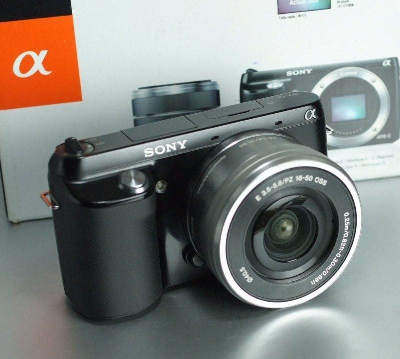 Sony NEX-F3 + 16-50 mm