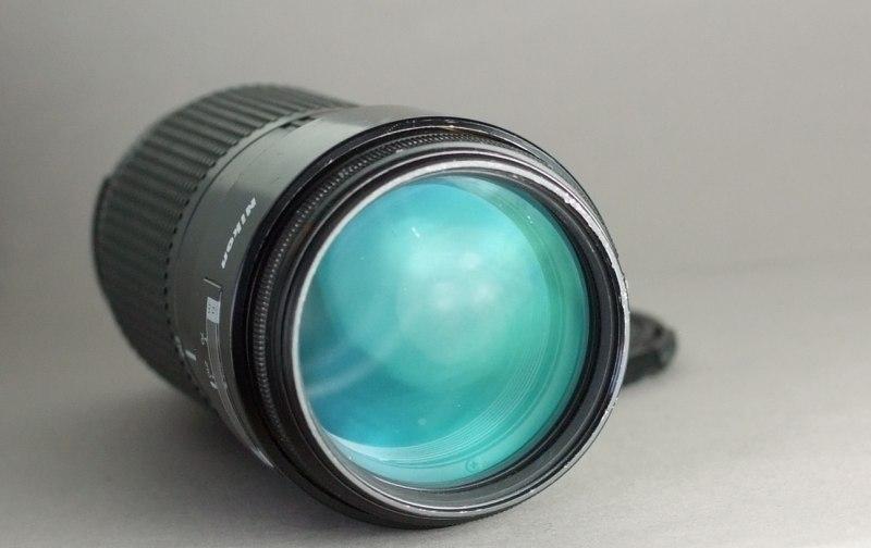 Nikon Nikkor AF 70-210mm f4