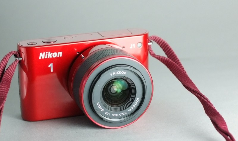 Nikon 1 J1 + 10-30mm