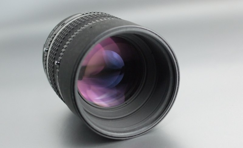 NIKON 105 mm f/2 D DC