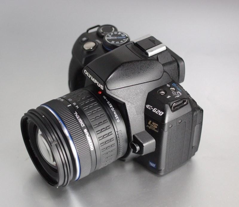 Olympus E-620 + 14-42 mm SUPER STAV