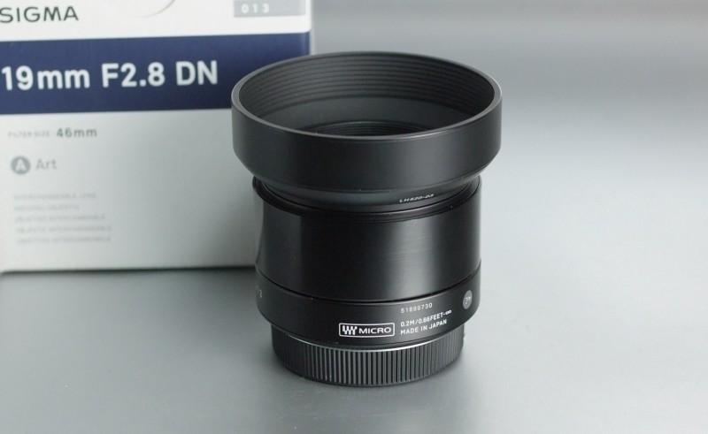 SIGMA 19 mm f/2,8 DN Art pro Olympus záruka 6/2019