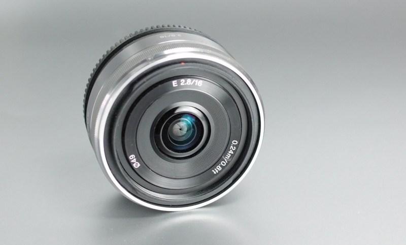 Sony 16mm f/2,8 SEL vadný