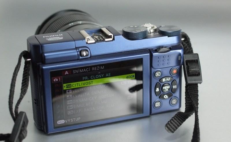 Fujifilm FinePix X-A1 + 16-50mm