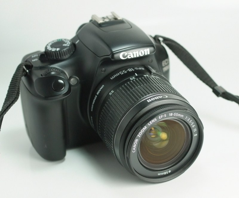 Canon EOS 1100D + 18-55mm  IS