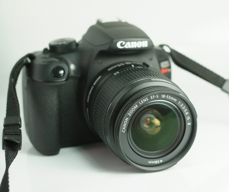 Canon EOS 1300D + 18-55mm  IS II  TOP STAV
