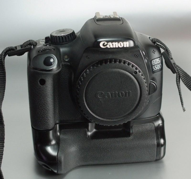 Canon EOS 550D + grip
