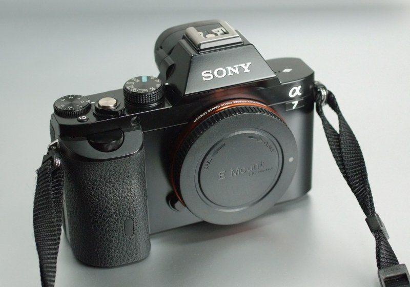 Sony Alpha A7 TOP STAV