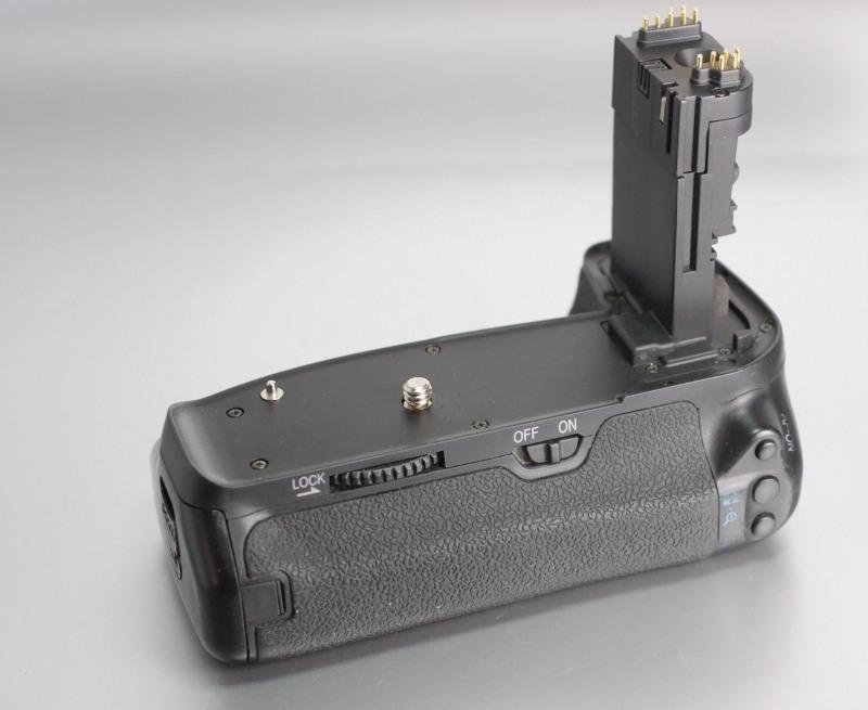 APUTURE bateriový grip BP-E9 pro Canon 60D