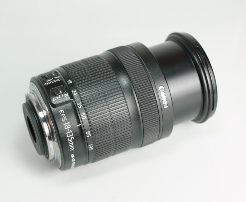 Canon EF-S 18-135mm f/3,5-5,6 IS STM TOP STAV