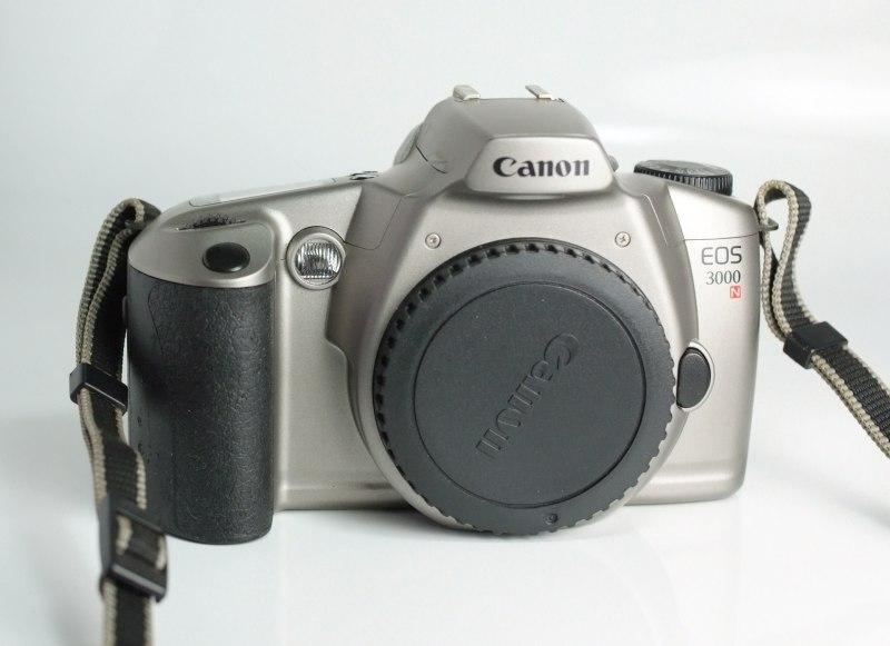 Zrcadlovka Canon 3000N
