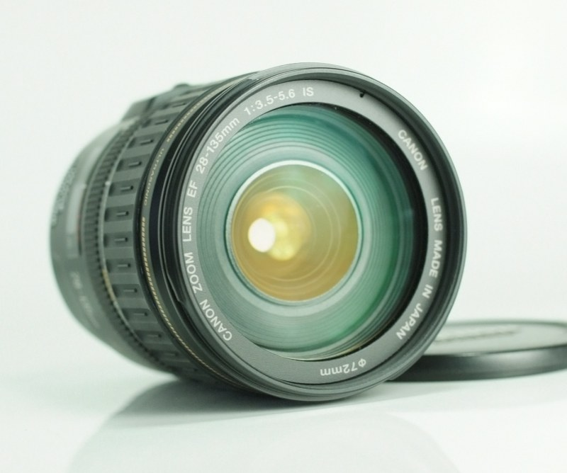 CANON EF 28-135 mm f/3,5-5,6 IS USM