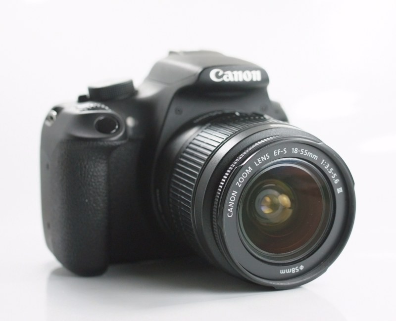 Canon EOS 1200D  + Canon 18-55mm III TOP STAV