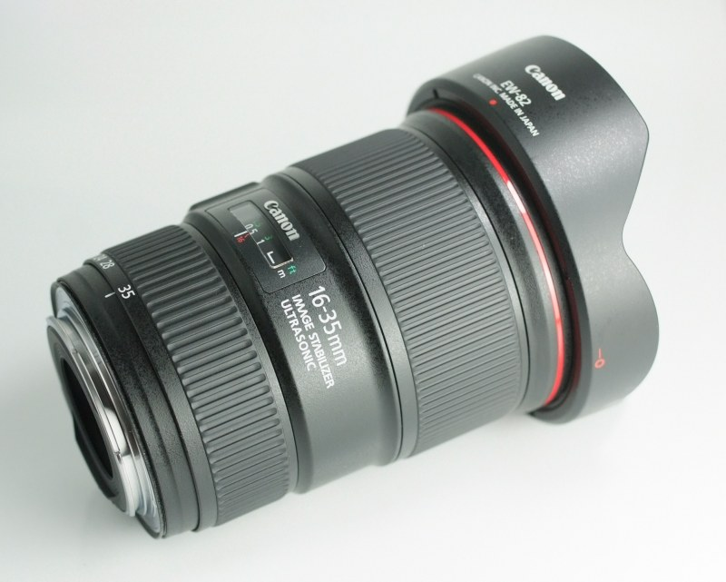 CANON EF 16-35 mm f/4 L IS USM TOP  STAV