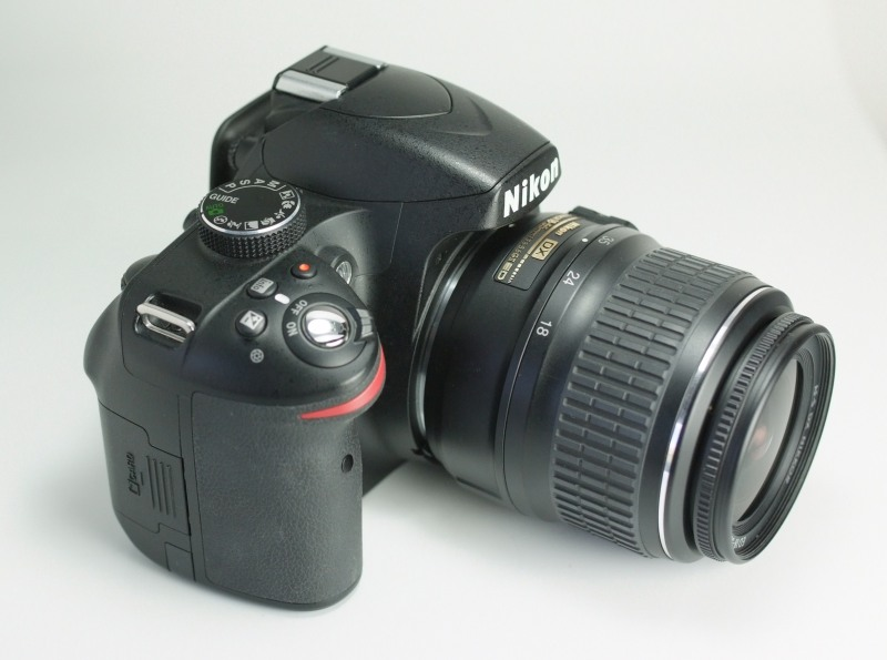 NIKON D3200  + 18-55 mm  SUPER STAV