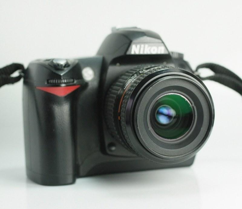 Nikon D70 + Nikon 35-80mm AF