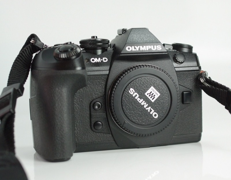 Olympus OM-D E-M1 Mark II TOP STAV