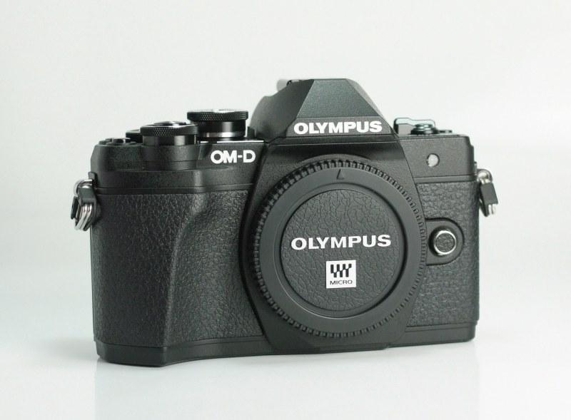 OLYMPUS E-M10 Mark III záruka 8/2020