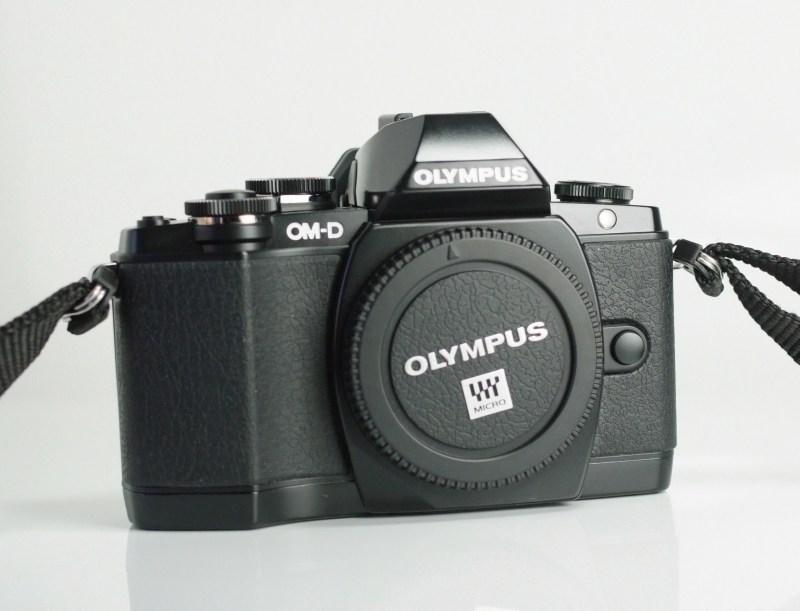 Olympus O-MD E-M10 TOP STAV