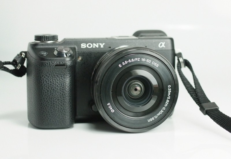 Sony NEX-6 + Sony 16-50mm SUPER STAV
