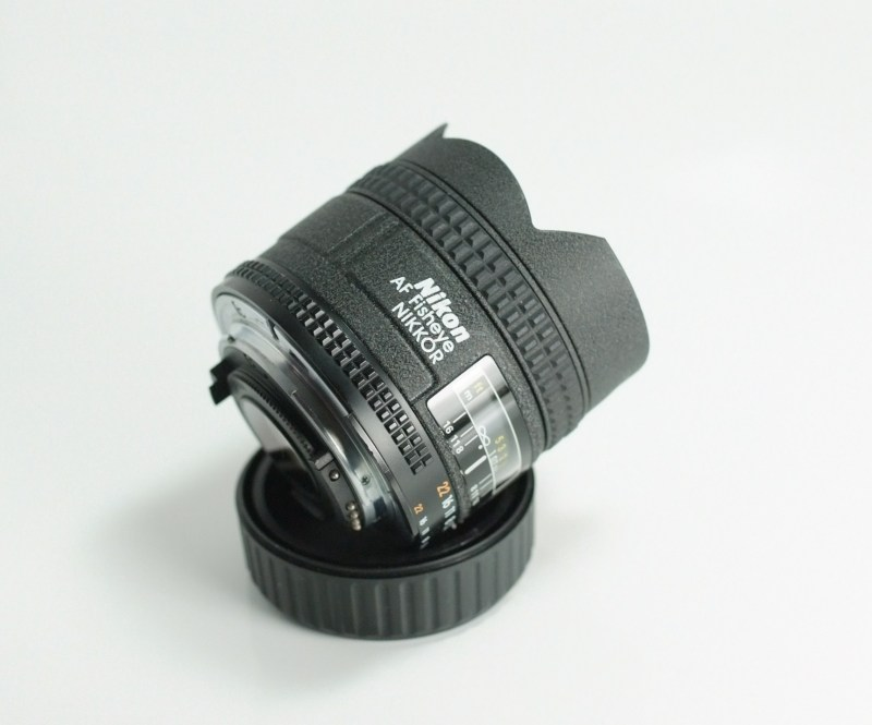 NIKON 16 mm f/2,8 AF D FISHEYE  TOP STAV