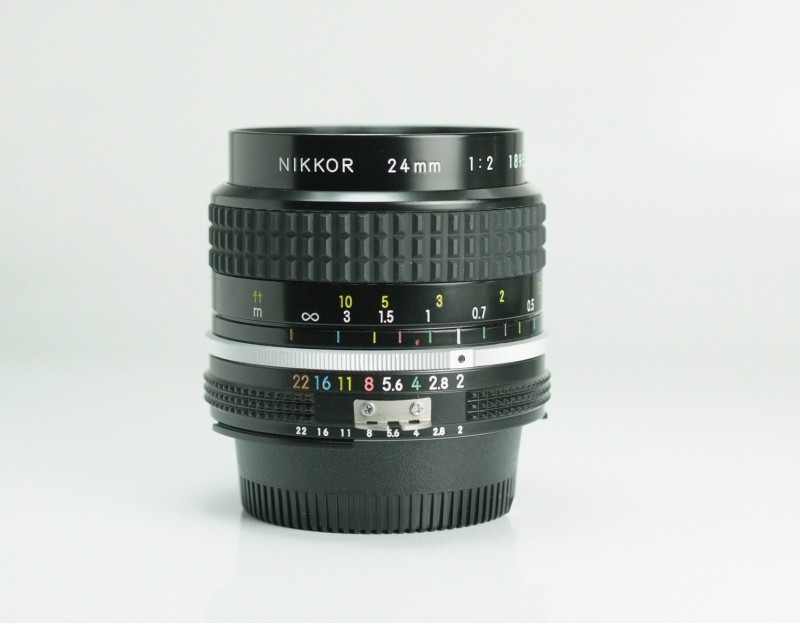 NIKON MF 24mm f2 AIS TOP STAV