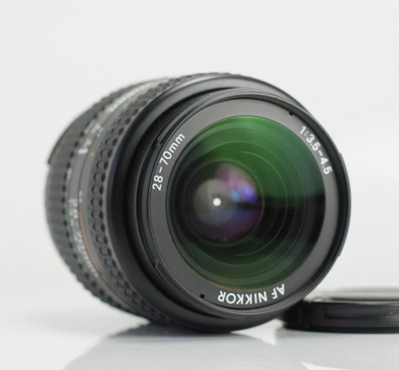 Nikkor AF 28-70mm f/3.5-4.5  TOP STAV