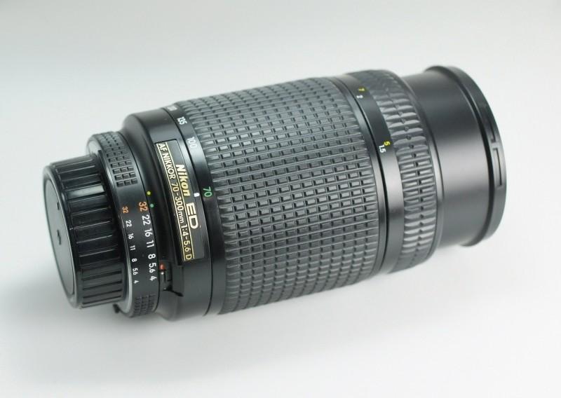 NIKON 70-300 mm f/4-5,6 AF D ED TOP STAV