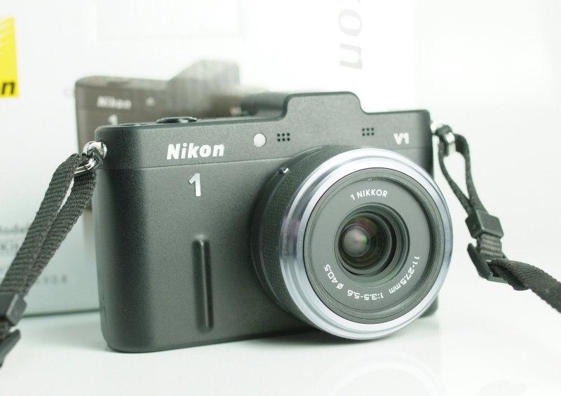 Nikon 1 V1 + Nikon 11-27.5mm TOP STAV
