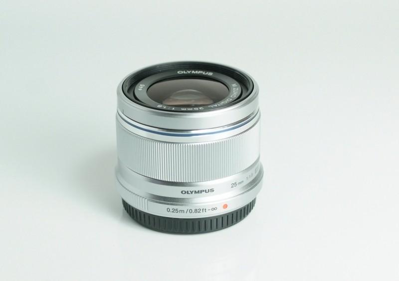 Olympus M.ZUIKO 25mm f/1,8  TOP STAV