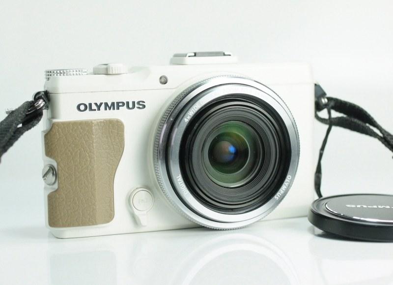 OLYMPUS Stylus XZ-2