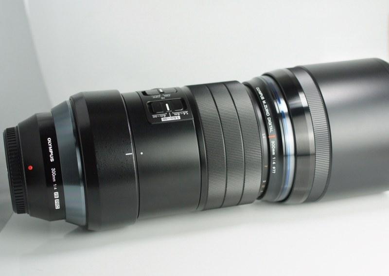 OLYMPUS M.Zuiko 300 mm f/4 PRO TOP STAV