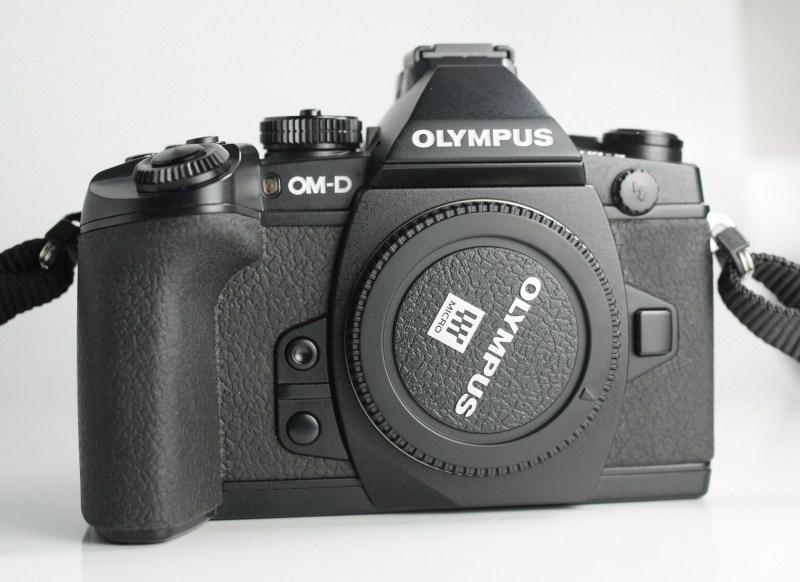 OLYMPUS E-M1 TOP STAV