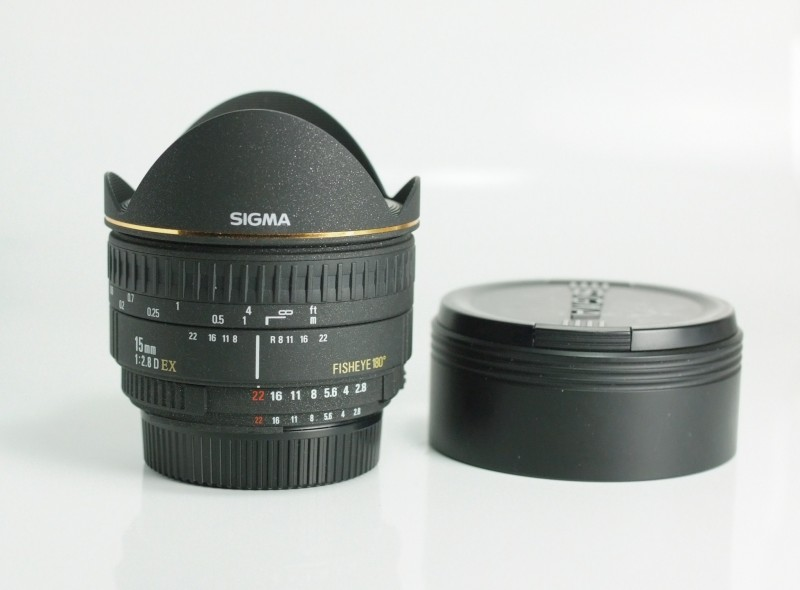 SIGMA 15mm f/2,8 EX DG Fisheye pro Nikon TOP STAV