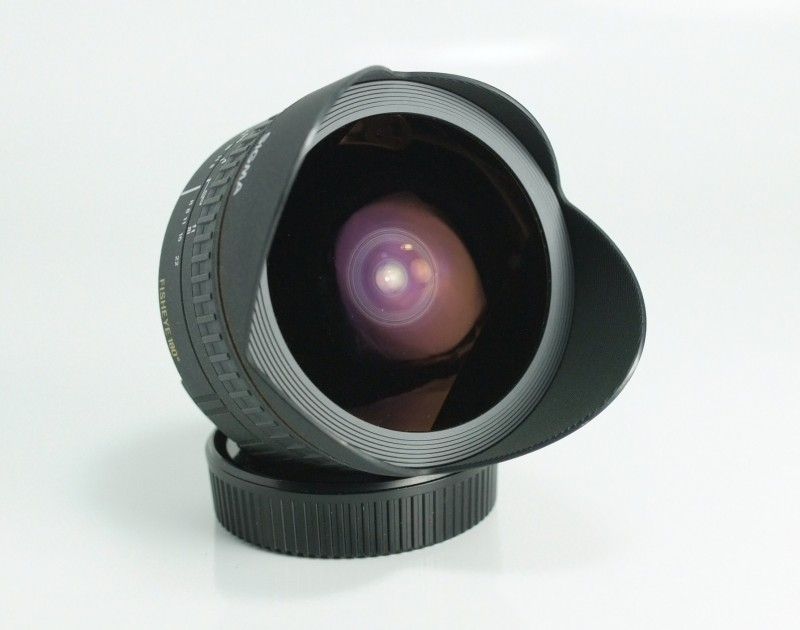 SIGMA 15mm f/2,8 EX DG Fisheye pro Nikon TOP STAV