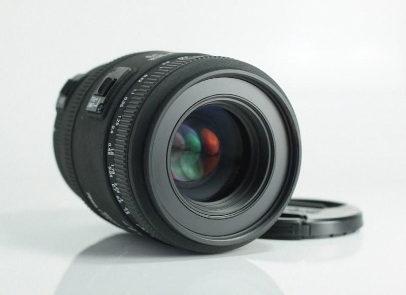 Sigma 70mm f/2,8 EX DG MACRO pro Canon