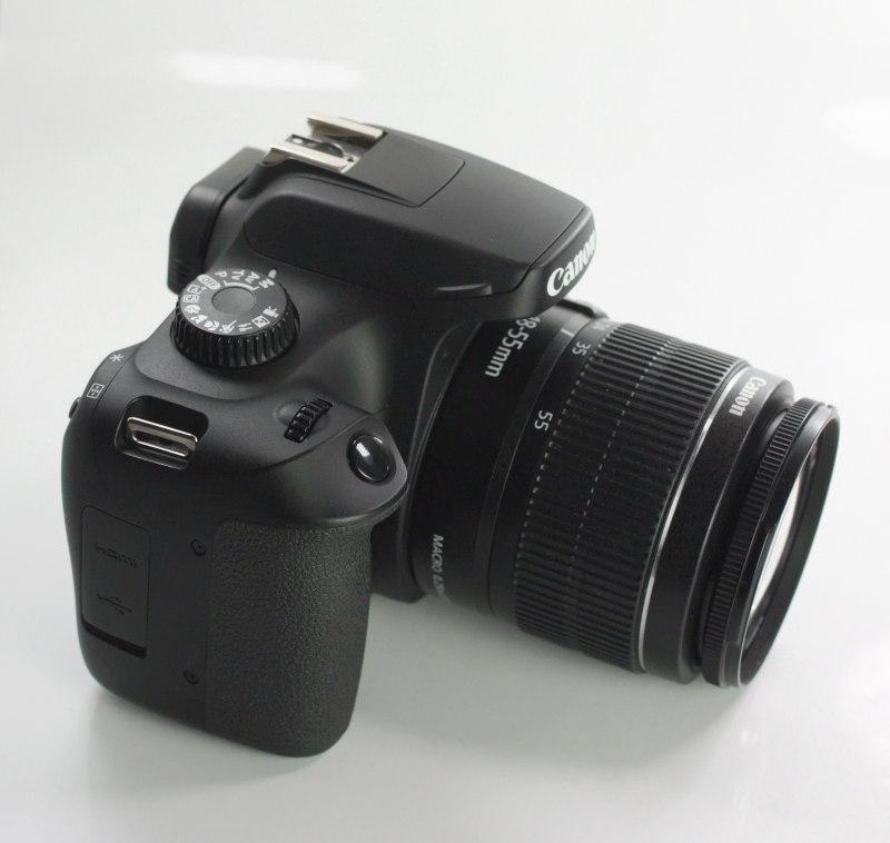 Canon EOS 4000D+ Canon 18-55mm III TOP STAV záruka 7/2020
